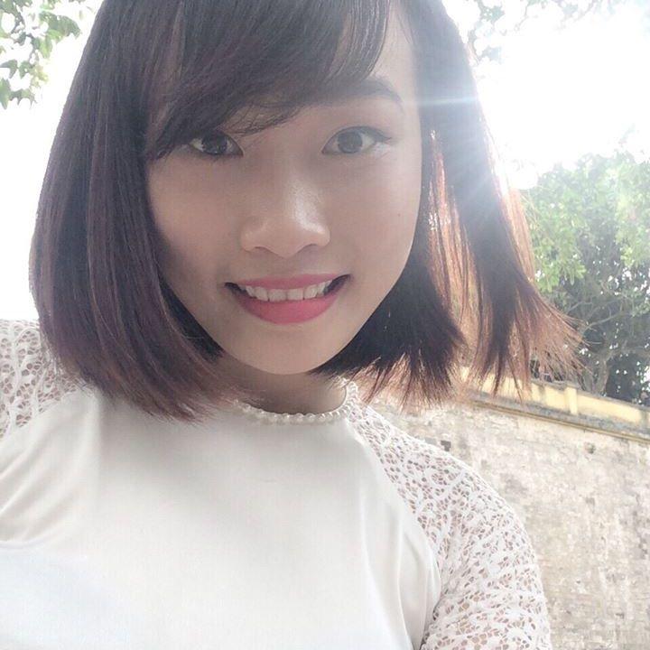 Chị Hạnh - lớp phát âm T3/2017, cô Moon