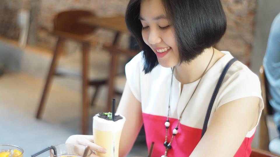 Chị Trang - lớp phát âm T2/2017, thầy Quang